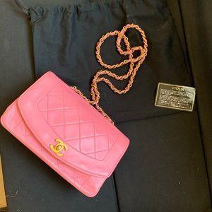 Chanel vintage Diana pink bag